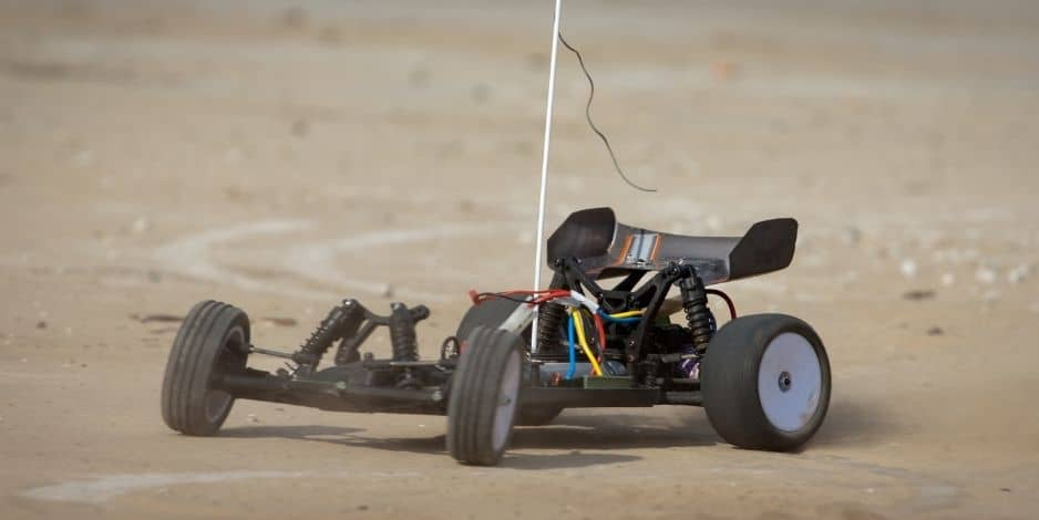 How Do RC Cars Turn? A Complete Guide